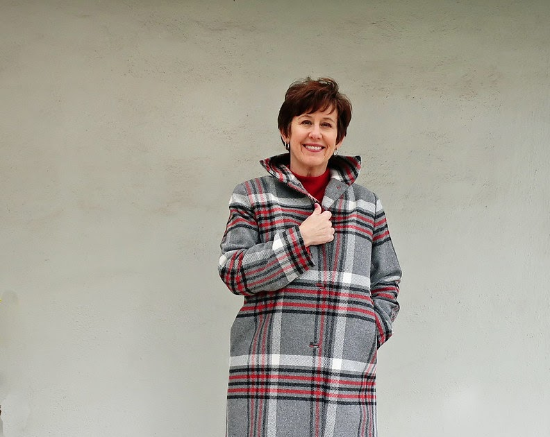 Plaid wool coat with a Patrones pattern