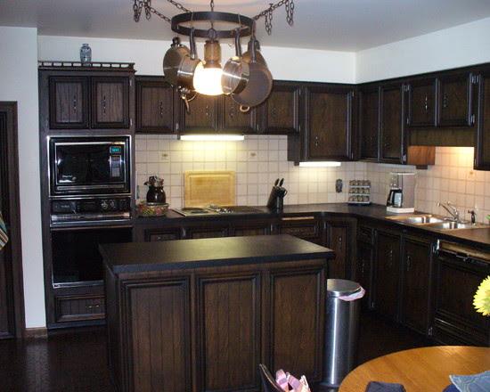 Architecture: Classic Designed Kitchen Interior Design With Dark ...