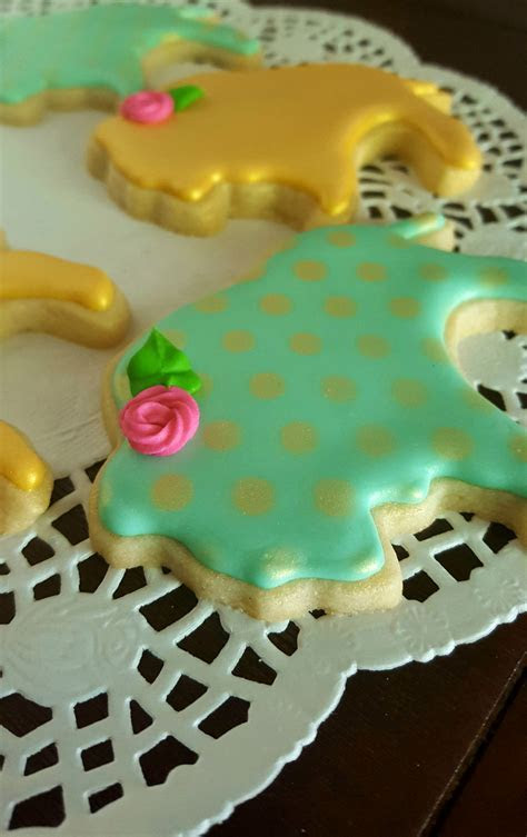 Shabby Chic Bison Royal Icing Sugar Cookies   CakeCentral.com