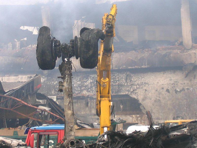 File:Voo TAM 3054 crash 3.jpg
