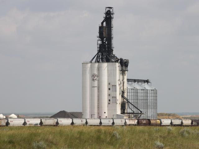 Paterson grain facility at Dunmore AB