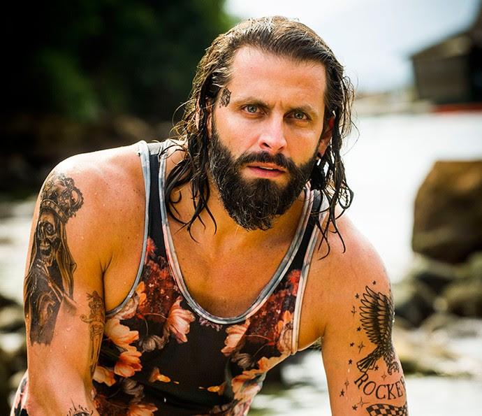 Henri Castelli é Ralf Tattoo (Foto: TV Globo / João Miguel Júnior)