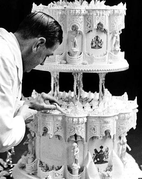 Royal Wedding Cake: Slice Of Queen Elizabeth's Wedding