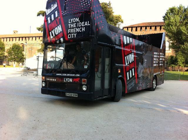 Bus Lyon on tour