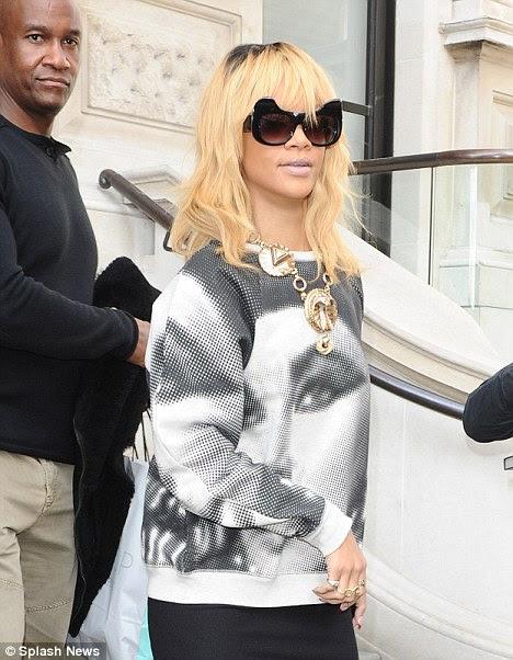 Estrela da qualidade: Rihanna foi indicada para jogar Whitney Houston em um filme biográfico da lenda
