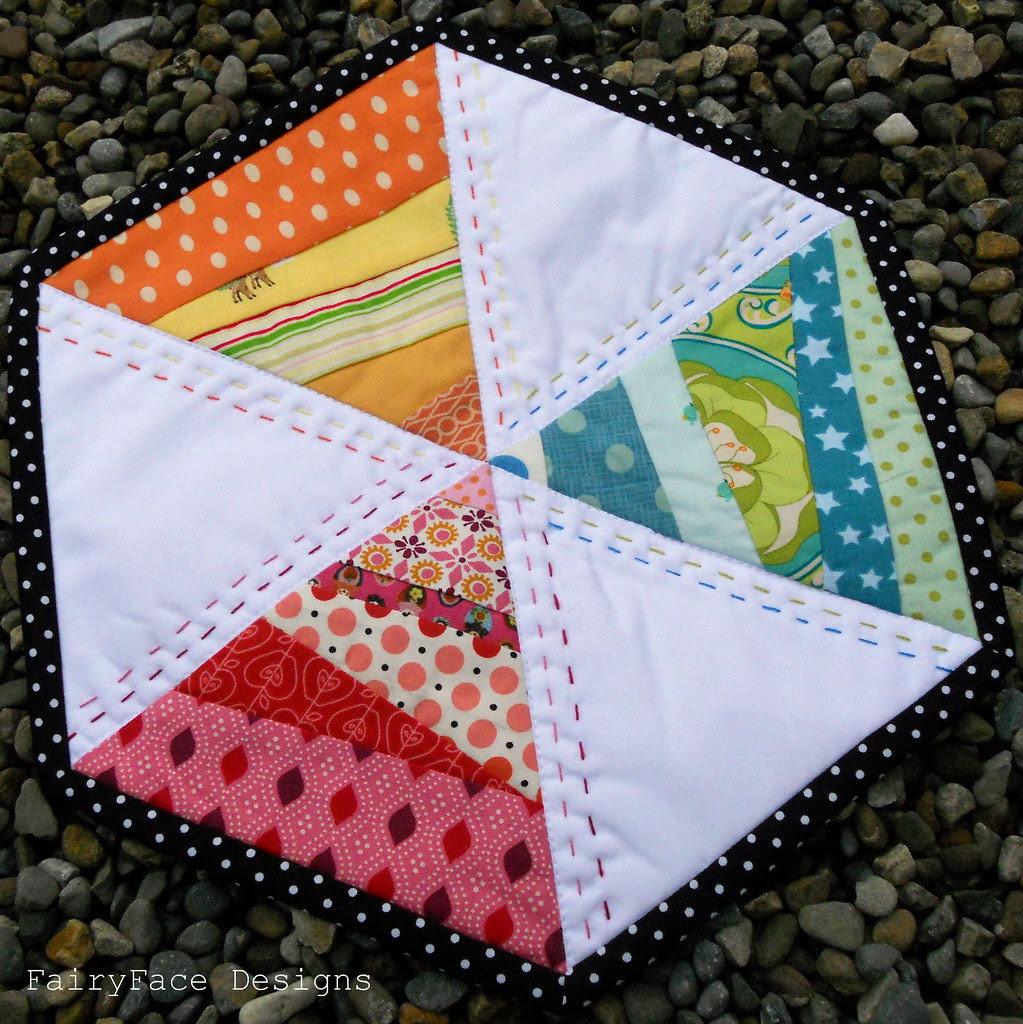 Twirly hexagon mug rug