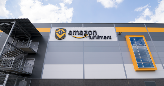 24 Amazon Workers Hospitalized After Robot Punctures Bear Spray In Warehouse - Motherboard