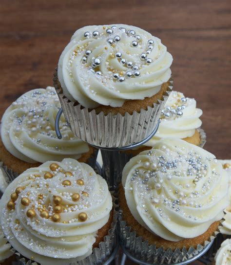 Caramel Filled Cupcakes ? perfect for a Wedding