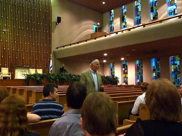 P1000308-2011-09-22-APC-Sacred-Spaces-Tour-Ahavath-Achim-Synagogue-Stanley-L-Daniels-presenting