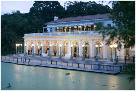 The Boathouse in Prospect Park Wedding: Brooklyn Wedding