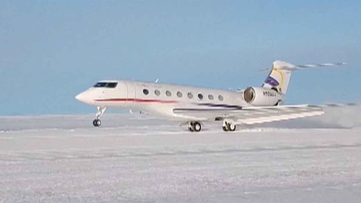 Resultado de imagen para Un vuelo comercial chino aterrizó por primera vez en la Antártida