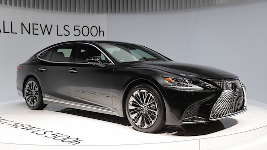 The new 2018 Lexus LS 500h is a twin-turbo 10-speed hybrid - Autoblog
