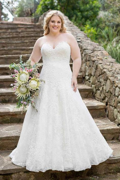 Plus size perfection: wedding dresses for 'those' problem