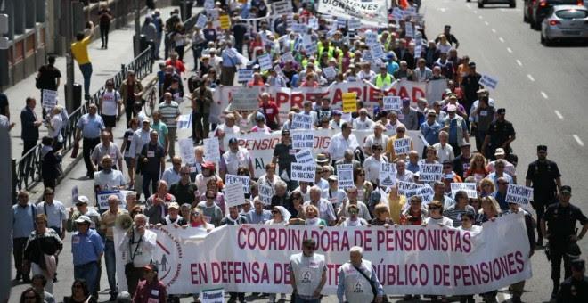 Miles de personas marchan en Madrid contra la precariedad y la corrupción. TWITTER/@IntersindicalV