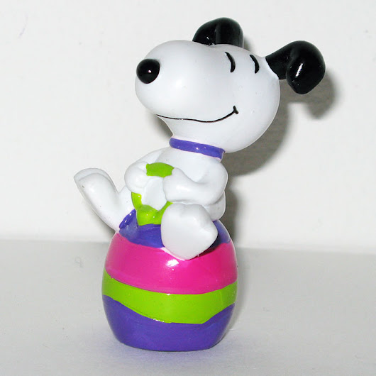 Snoopy on bouncy Easter Egg PVC Figurine