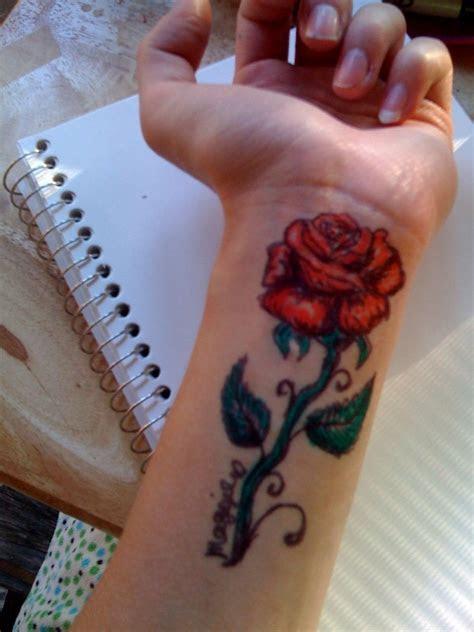 flowers wrist tattoos ideas