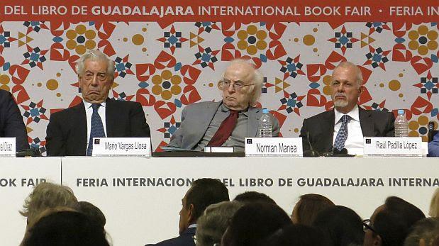 Mario Vargas LLosa y Norman Manea FIL 2016