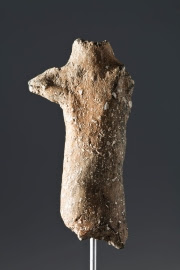 The figure is 6,500 years old and was baptized with the name of the <i> Nice Begues </ i>.