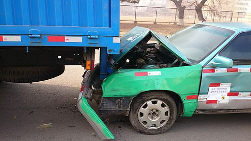 Truck Underride Guards do not Always Protect Motorists | The Reeves Law Group