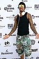 nick cannon hosts pool party in vegas 05