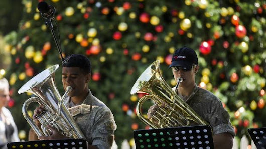 NZ Army Band plays Christmas interlude in The Square Palmerston North |