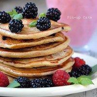 Pancakes z jeżynami