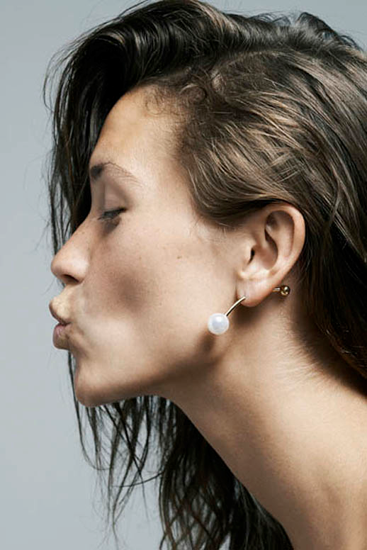 JEWELRY CRUSH SOPHIE BILLE BRAHE LARGE PEARL EARRING 1 photo JEWELRYCRUSHSOPHIEBILLEBRAHELARGEPEARLEARRING1.png