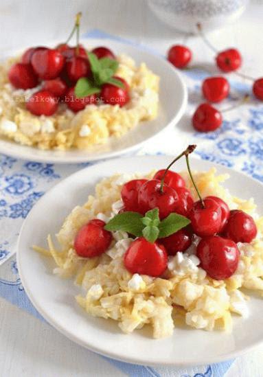 Zdjęcie - Ryż z jabłkiem i czereśniami - Przepisy kulinarne ze zdjęciami