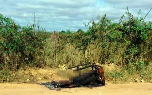 Corpo foi achado às margens de estrada nesta sexta-feira (Foto: Frarlei Nascimento/Blitz Conquista