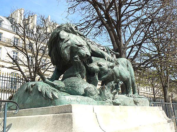 Lion des Tuileries.jpg