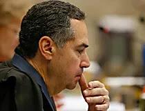 Barroso concede liberdade a Pizzolato, condenado no mensalão