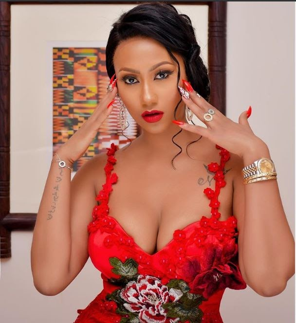 Watch As Haija4real Flaunts Her Massive Body As She Shows Off Dancing