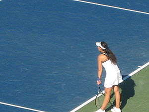 English: Marion Bartoli at the 2008 Pilot Pen ...