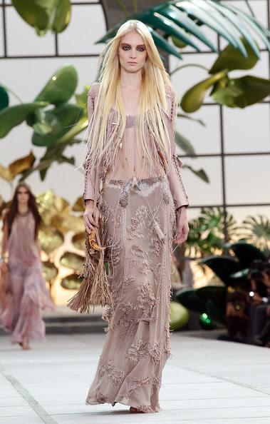 Roberto+Cavalli+Milan+Fashion+Week+Womenswear+JiklOgyMuYSl