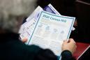 U.S. judge temporarily halts plan to wind down census
