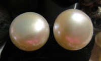 2 button pearls
