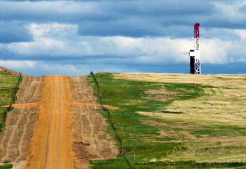 U.S. Oil Production Sees First Year-Over-Year Decline in Four Years - Oil & Gas 360