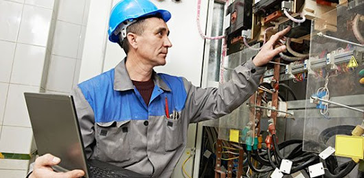 Electrician Worcester, Bromsgrove Commercial & Industrial Electrical Contractors | Daybury