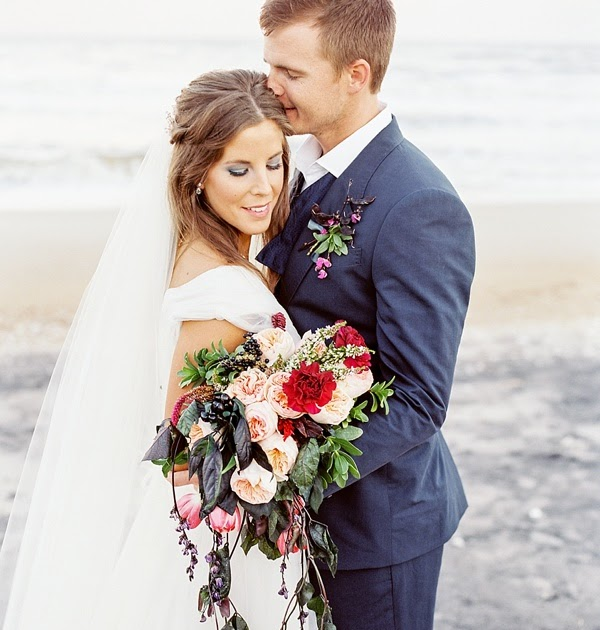 Yorktown Beach Wedding Ceremony: Moody Atlantic-Inspired Elopement Ideas