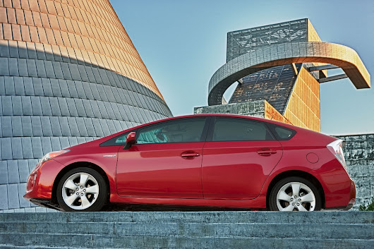 How Many Celebrities Drive Toyota Prius Hybrids? Well, What's A Celebrity?
