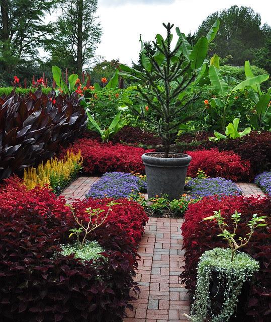 Student Exhibition Garden (2)