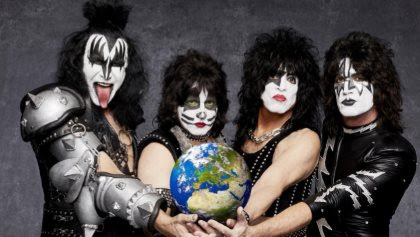 KISS Gives Surprise Makeup-Free Performance At 'All-Star Salute To The Oregon Military' (Video)
