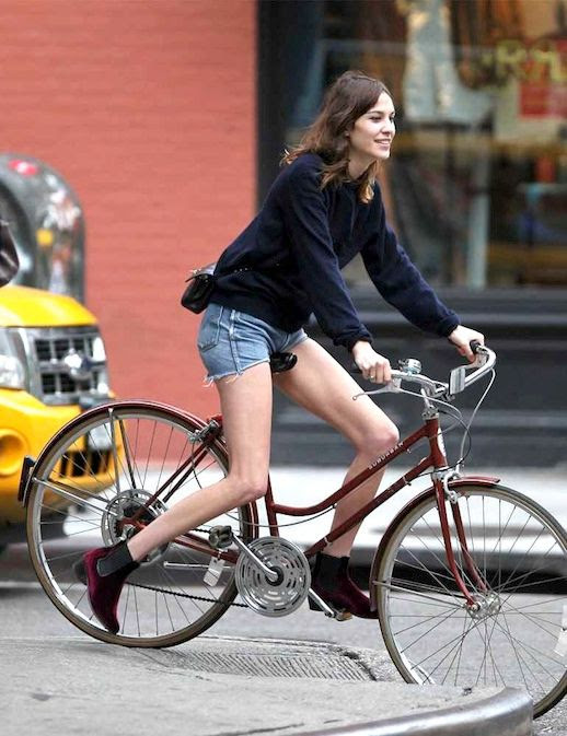 5 Le Fashion Blog 40 Of Alexa Chung Best Looks With Denim Shorts Velvet Boots Jean Cut Offs Bicycle Via Elle UK