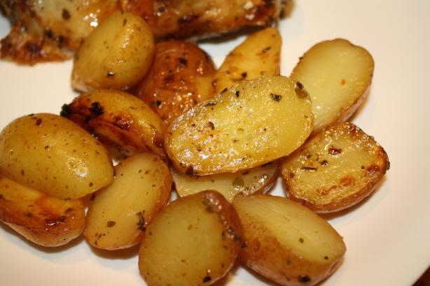 Greek-Style-Oven-Roasted-Lemon-Butter-Parmesan-Potatoes