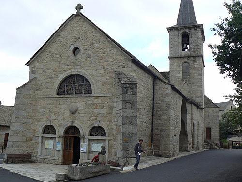 église d'aumont aubrac.jpg