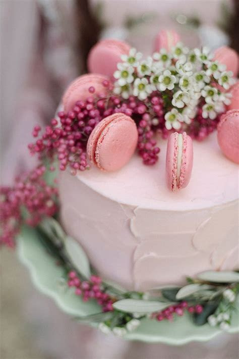 25  best ideas about Macaroon wedding cakes on Pinterest