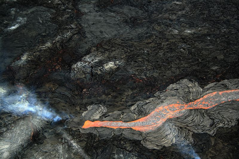 File:Lava flow at hawaii.JPG