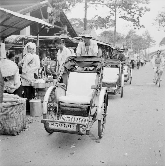 Велорикша ищет клиента 1950 Неиз