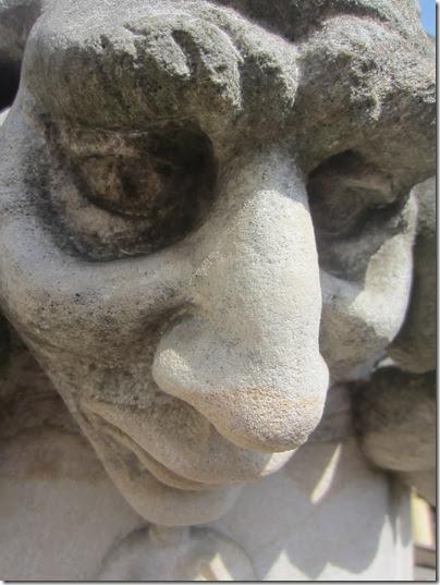 003 Typische (nasenlastige) Gesichter Brauns