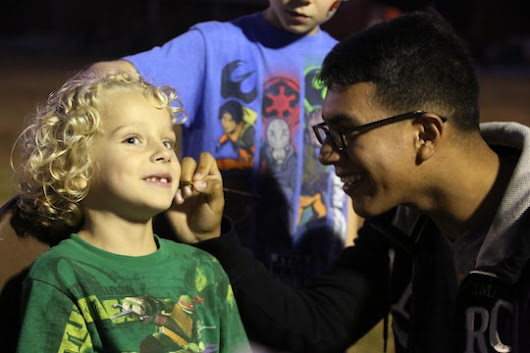 MACS-2 Marines, families welcome autumn with Fall Family Festival